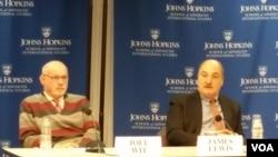 17일 미국 존스홉킨스대학 국제대학원 미한연구소에서 열린 북한의 사이버 공격 능력에 대한 토론회에서 제임스 루이스 전략국제문제연구소 전략기술 프로그램 국장(오른쪽)이 발언하고 있다.