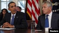 Президент США Барак Обама и Чак Хейгел (архивное фото)