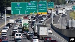 Milhares deixam o sul da Flórida