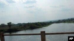 Rio Lucala em Calandula.Angola