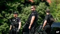 特勤局特工在白宫北草坪(2016年5月20日)