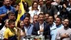 Ông Guaido phát biểu tại một cuộc biểu tình chống chính phủ ở Caracas