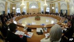 Rossiya prezidenti Vladimir Putin Sankt-Peterburgda Katta Yigirmalikka a'zo davlatlar sammitini ochdi, 6-sentabr, 2013-yil