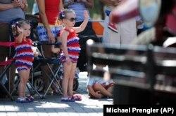парад на 4 липня
