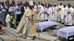 Похороны жертв теракта в Нигерии. Архивное фото.
