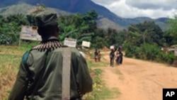 Un soldat congolais en patrouille dans le Sud-Kivu, le 10 novembre 2009.