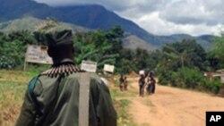Soldat congolais en patrouille dans le sud-Kivu, le 10 nov. 2009