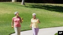 มีหลักฐานสนับสนุนเพิ่มขึ้นว่า การออกกำลังกายลดความเสี่ยงต่อความจำเสื่อม