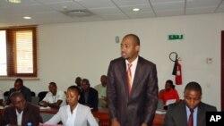 O Gabinete Parlamentar da Juventude foi recebido pelo ministro da Indústria e Tecnologia, Venâncio Massingue