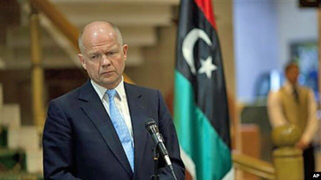 British Foreign Secretary William Hague listens to a question during a press conference in the rebel stronghold of Benghazi, Libya, May 4, 20 (file photo)