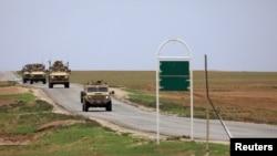 Arhiva - Američka vojna vozila snimljena u Hasakiju, Sirija, 4. novembra 2018.