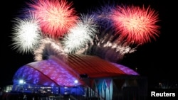 2月7日俄羅斯索契冬季奧運會開幕煙花。