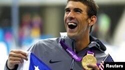 Michael Phelps kembali mencetak rekor dan merebut satu medali emas dalam medley perorangan 200 meter, menjadikannya perenang pertama dalam sejarah Olimpiade yang memenangkan nomor ini dalam tiga kali Olimpiade bertutur-turut (Foto: dok).