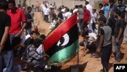 Ливия: повстанцы продолжают наступление