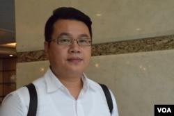 香港民主黨副主席、葵青區議員尹兆堅表示,香港選民登記制度存在漏洞。(美國之音湯惠芸攝)