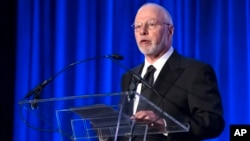 FILE - Paul Singer, founder and CEO of hedge fund Elliott Management Corp., speaks at the Manhattan Institute for Policy Research Alexander Hamilton Award Dinner, in New York, May 12, 2014.