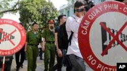 Báo chí Việt Nam chịu nhiều hạn chế khi tác nghiệp trong nước