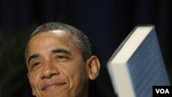Presiden Barack Obama memberi sambutan pada acara Sarapan dan Doa Nasional di Washington (2/2).