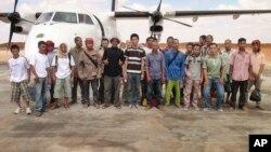Les otages libérés par les pirates somaliens à Galkayo, Somalie, le 23 octobre 2016.