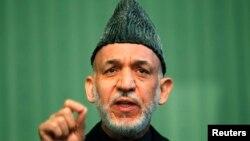 Afganistan Cumhurbaşkanı Hamid Karzai'nin ABD'yle ikili güvenlik anlaşmasını, NATO'yla da güçlerin durumu anlaşmasını imzalamayı geciktirmesi 2014 sonrasında ülkede konuşlandırılması öngörülen güçlerle ilgili soru işaretlerinin artmasına neden oluyor.