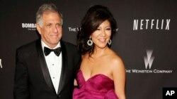 «جولی چِن» مجری مشهور تلویزیون در کنار همسرش «لِزلی مونوز» که به تازگی از ریاست سی بی اس برکنار شده است.