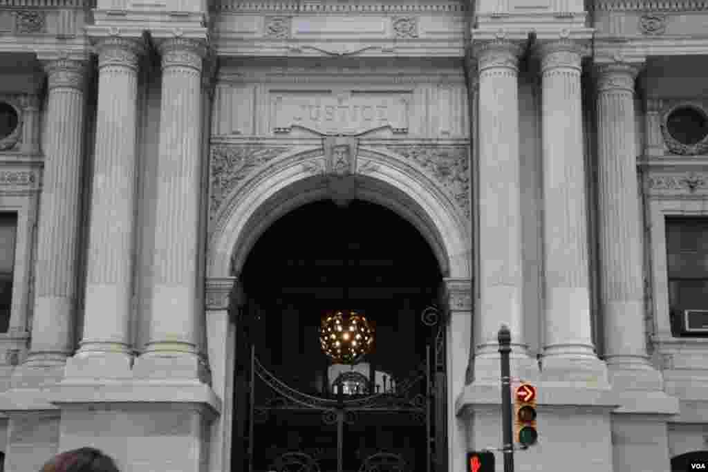 بخشی از ساختمان شهرداری فیلادلفیا.