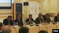 """Predsednik Kosova Hašim Tači, na konferenciji """"Glas naroda oko velikog finala između Kosova i Srbije"""""""