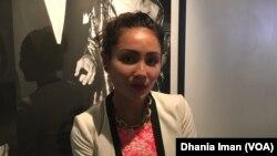 "Cheverly Amalia, produser eksekutif sekaligus aktris dalam film ""Blackout Experiment"" di Los Angeles (VOA/Dhania)"
