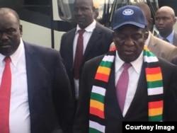 UMongameli Emmerson Mnangagwa ngosuku esethulela uzulu amabhasi koBulawayo.