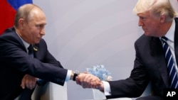 ၂၀၁၇ ဇူလိုင္ G20 အစည္းအေ၀းတြင္ ႐ုရွားသမၼတႏွင့္ သမၼတ Trump ေတြ႔စဥ္