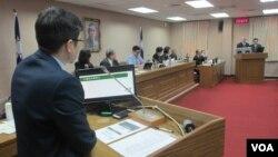 台灣立法院外交及國防委員會3月20號質詢的情形(美國之音張永泰拍攝)