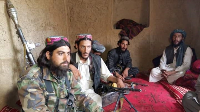 بدخشان خاش کې طالبانو او افغان ځواکونو سره جګړه کړې