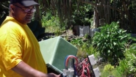 A renewable energy project in Tokelau, supported by UNDP, converts solar-generated power to electricity. (Photo: UN/Ariane Rummery)