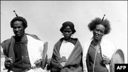 Booranii kun bara 1902 Amerikaa naannoo Ellsi Island dhufe,footoon isaanii fi miilota isaani haga 20 caalaan muuziyeemii Amerikaa hedduu keessa jirti