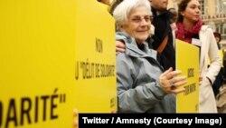 Martine Landry, une responsable d'Amnesty International de 73 ans et membre de l'Association nationale d'aide à la frontière pour les étrangers (Anafé), le 30 mai 2018. (Twitter/Amnesty)