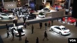 The Washignton Auto Show floor (Philip Alexiou - VOA)