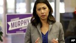Bà Stephanie Murphy gặp gỡ cử tri trước cuộc bầu cử lần đầu, 2016.