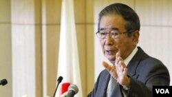 日本東京都知事石原慎太郎10月25日舉行記者會,宣布辭職以組建新的政黨,參加全國大選。