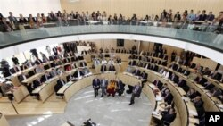 Dalai Lama Addresses Hesse State Government