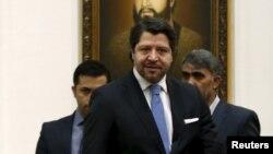 حکومت افغانستان خواستار پابندی اعضای نشست چهارجانبۀ صلح به تعهدات شان شده است.