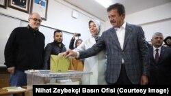 Cumhur İttifakı İzmir Büyükşehir Belediye Başkan Adayı Nihat Zeybekci
