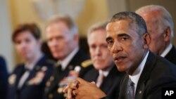 Presiden AS Barack Obama bertemu dengan bertemu dengan Para Komandan Pasukan Tempur dan Kepala Staf Gabungan Militer AS di Gedung Putih, Washington, DC, 4 Januari 2017. (REUTERS/Carlos Barria).