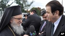 ο Αρχιεπίσκοπος Αμερικής Δημήτριος με τον Γιώργο Μπίστη