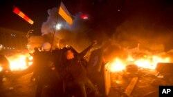 2014年2月18日乌克兰警方与抗议者在首都基辅的独立广场发生冲突。