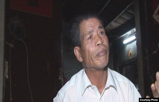 """乌坎村村民庄松坤。他是庄烈宏的父亲,因""""聚众扰乱交通秩序罪""""被判处三年徒刑(庄烈宏提供)"""