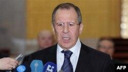 Bộ trưởng Ngoại giao Nga Sergey Lavrov nói chuyện với các phóng viên sau cuộc gặp với Tổng thống Syria tại dinh tổng thống ở Damascus, Syria, 7/2/2012