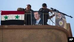 پیکارجویان داعش شبانه به منطقه تحت کنترل نیروهای دولتی در نزدیکی دمشق حمله کردند.