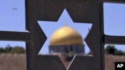 مذاکرات صلح شرق میانه پس از نزدیک شدن حماس و فتح از سوی اسرائیل به تعلیق درامد