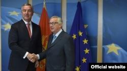 Crnogorski predsjednik Milo Đukanović i predsjednik Evropske komisije Žan Klod Junker (rtcg.me)