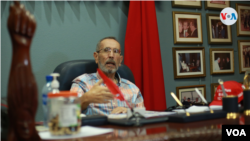 ARCHIVO - Arnoldo Alemán, en su despacho en Managua. [Foto: Houston Castillo, VOA]